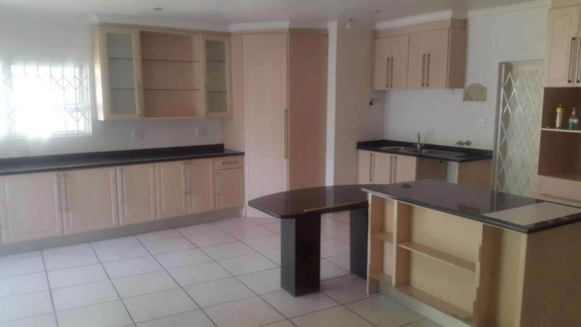 5 Bedroom  House for Sale in Sandton - Gauteng