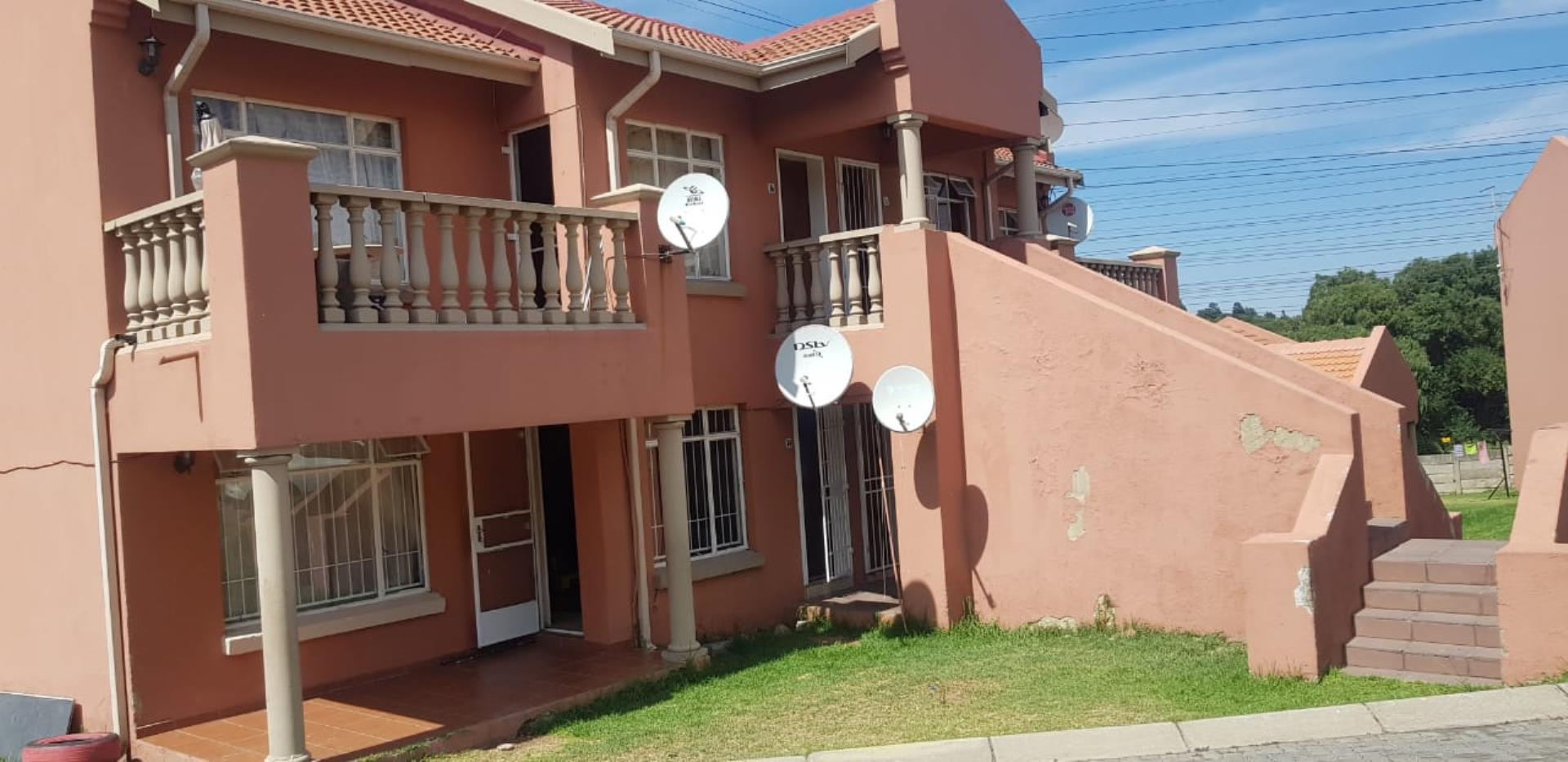 2 Bedroom  Apartment for Sale in Johannesburg - Gauteng