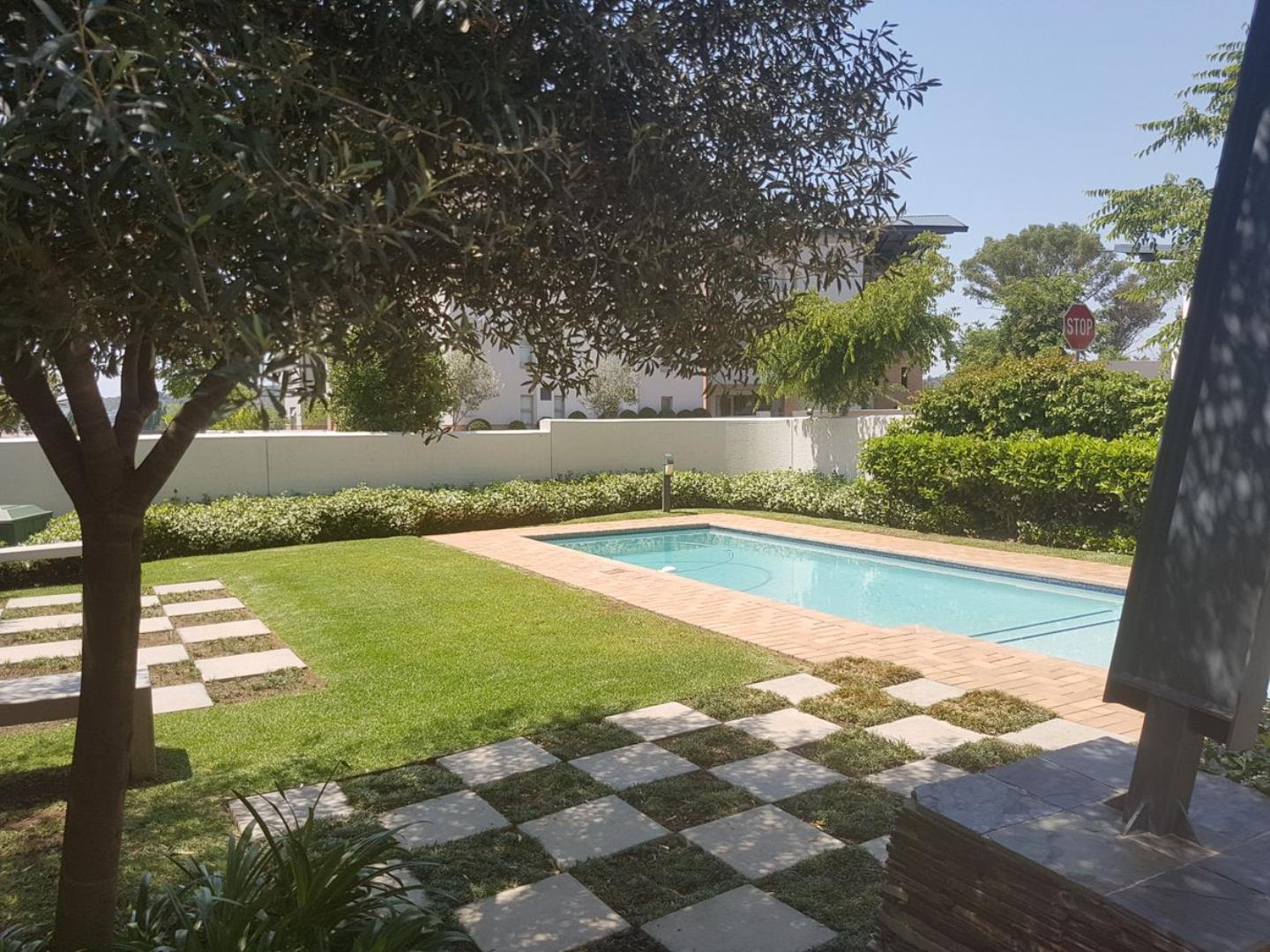 2 Bedroom Apartment for Sale in Lonehill, Sandton - Gauteng