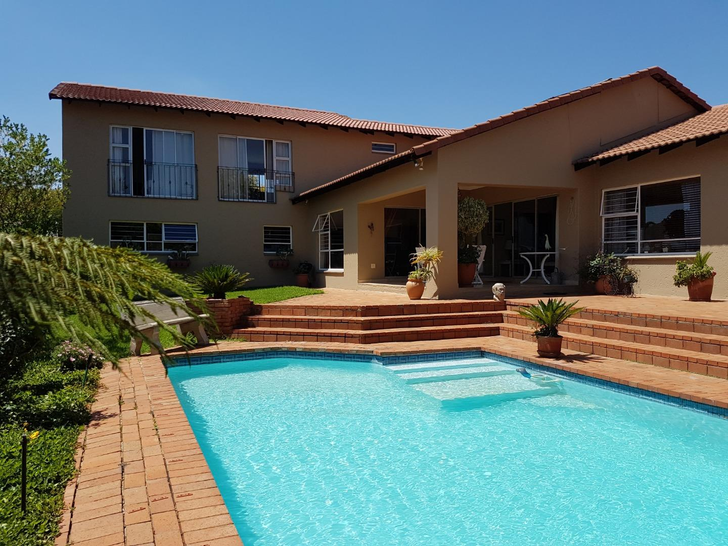 3 Bedroom House for Sale in Hurlingham Manor, Sandton - Gauteng
